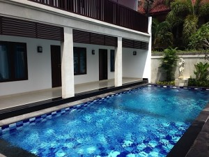 large_SanurGuestHouse-pool_access_rooms